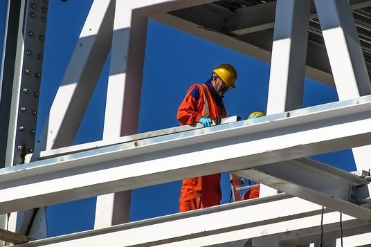 Sicurezza lavoro - Foto di Dimitris Vetsikas da Pixabay