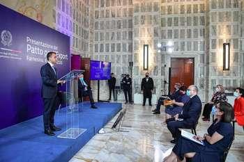 Cerimonia della firma del Patto per l'export: Photocredit: MAECI
