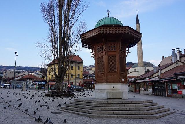 Gara BERS a Sarajevo: Photocredit: kabaretka en Pixabay