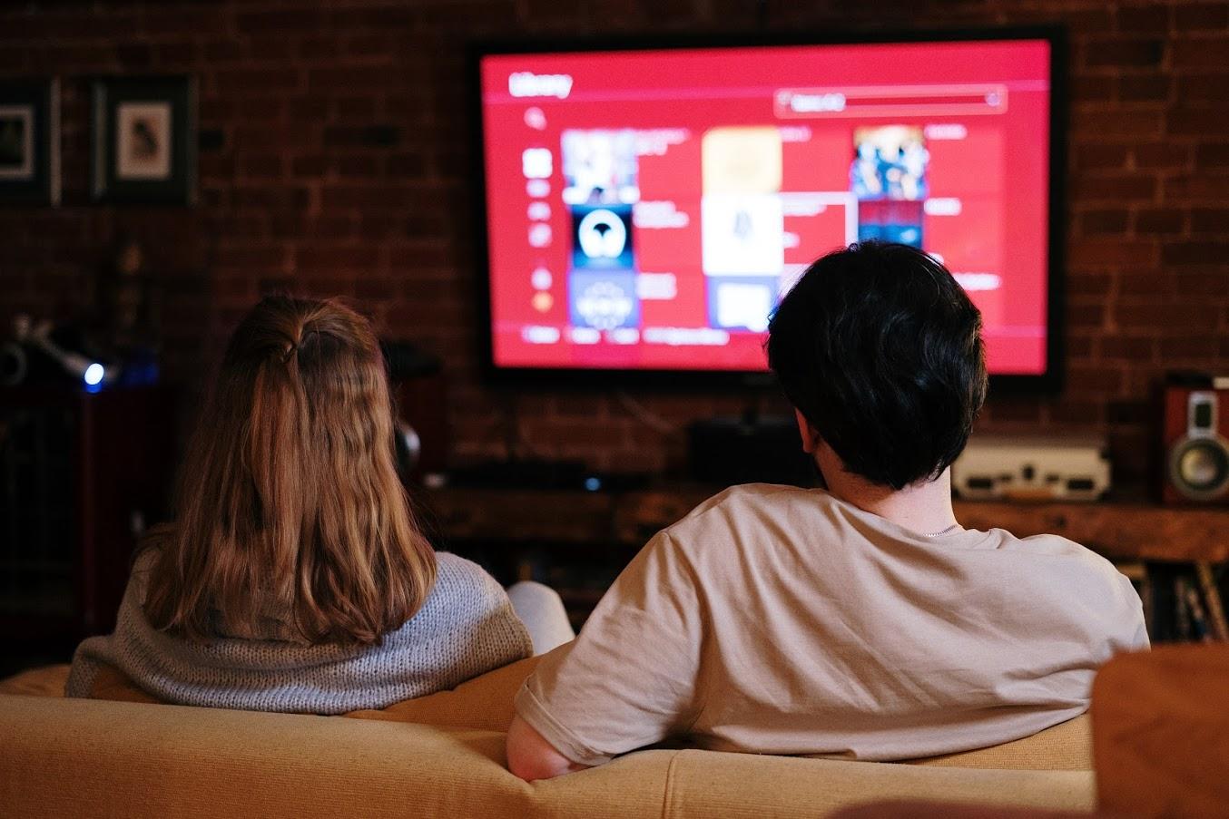 Bonus tv 2021 da 100 euro - Foto di cottonbro da Pexels